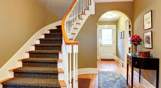 Useful tips on how to paint your hallway and stairs